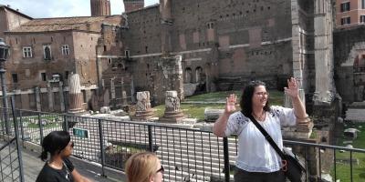 Rebecca Futo Kennedy teaching in Rome